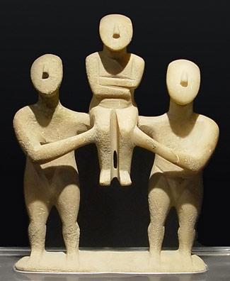 Cyclades figurines 3200 - 1500 BCE